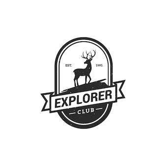 Illustrazione di vettore di campeggio emblema logo foresta.