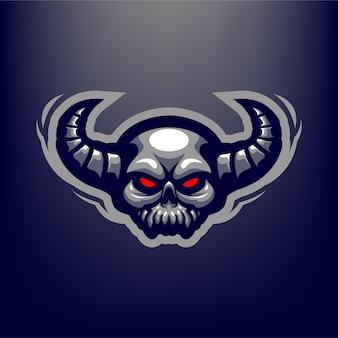 Illustrazione diabolica della mascotte del cranio per gli sport e gli esports logo isolato su fondo blu scuro