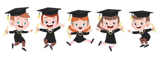 Illustrazione felice di vettore di graduazione dei bambini isolata