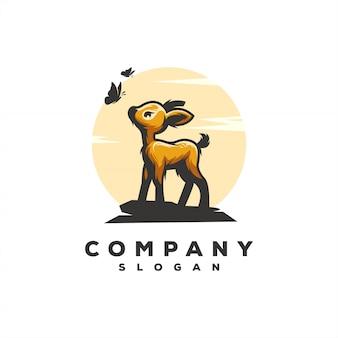 Illustrazione impressionante di progettazione di vettore di logo dei cervi del bambino