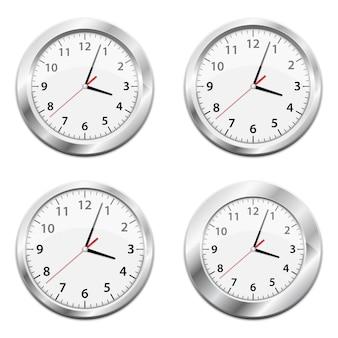 Illustrazione metallica dell'orologio di parete su fondo bianco