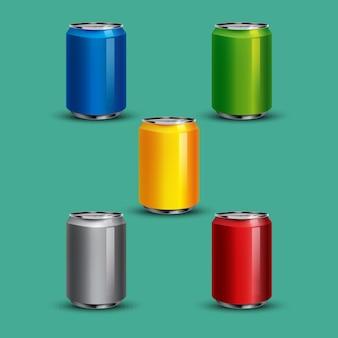Illustrazioni realistiche di lattina di soda
