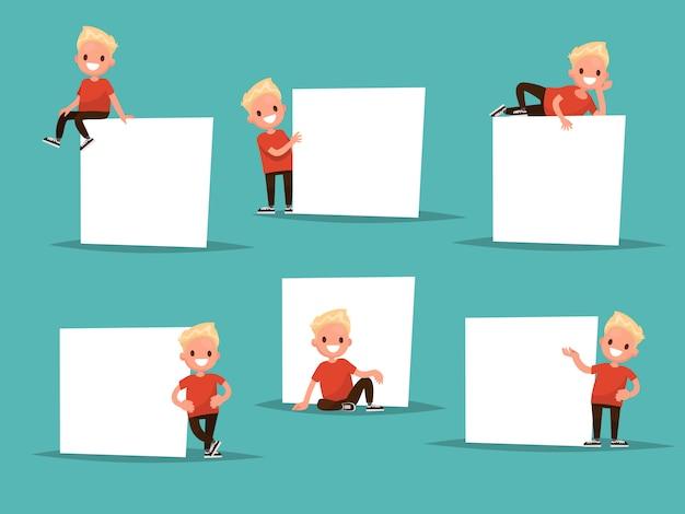 Impostare ragazzo in varie pose accanto a un poster. il ragazzo dice, mostra. ideale per poster educativi pre-scolastici.