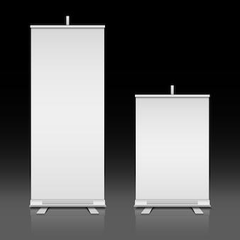 In bianco bianco rimboccarsi le bandiere in piedi di vettore impostato. scheda di presentazione per mostra o promozione illu