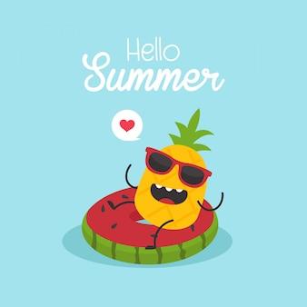 In vacanza estiva, anguria gonfiabile con ananas in una piscina