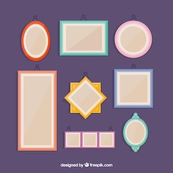 Incantevole collage di cornici fotografiche con design piatto
