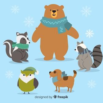 Incontro degli animali della foresta invernale