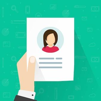 Informazioni personali o icona del profilo utente in mano