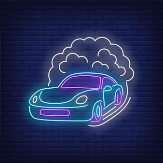 Insegna al neon a velocità crescente dell'automobile sportiva