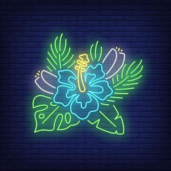 Insegna al neon blu dell'ibisco. fiore tropicale con foglie