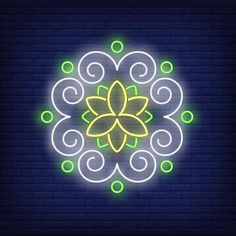 Insegna al neon della mandala del modello floreale rotondo
