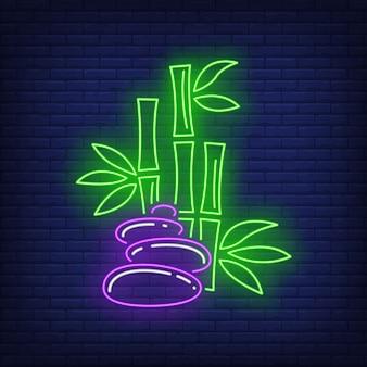 Insegna al neon di bambù e pietre