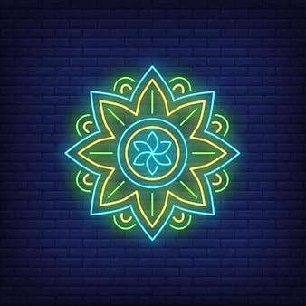 Insegna al neon rotonda del modello della mandala. meditazione, spiritualità, yoga.