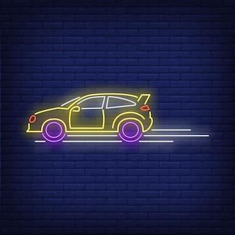 Insegna al neon veloce alla guida della macchina