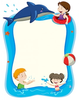 Insegna in bianco con i bambini che giocano in acqua