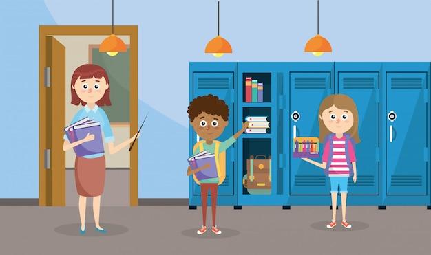 Insegnante con libri e studenti con armadietti in classe