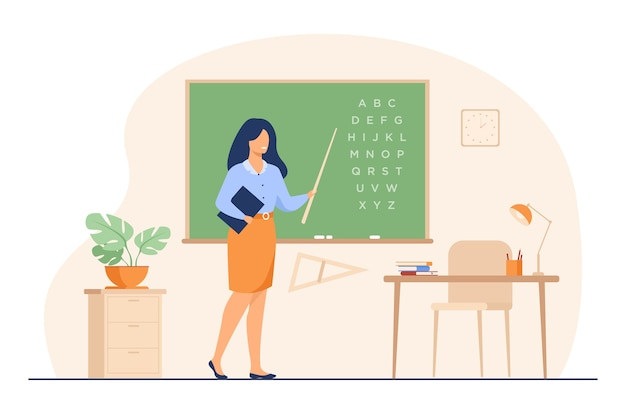 Insegnante in piedi vicino alla lavagna e tenendo il bastone isolato piatto illustrazione vettoriale. carattere della donna del fumetto vicino alla lavagna e che indica sull'alfabeto.