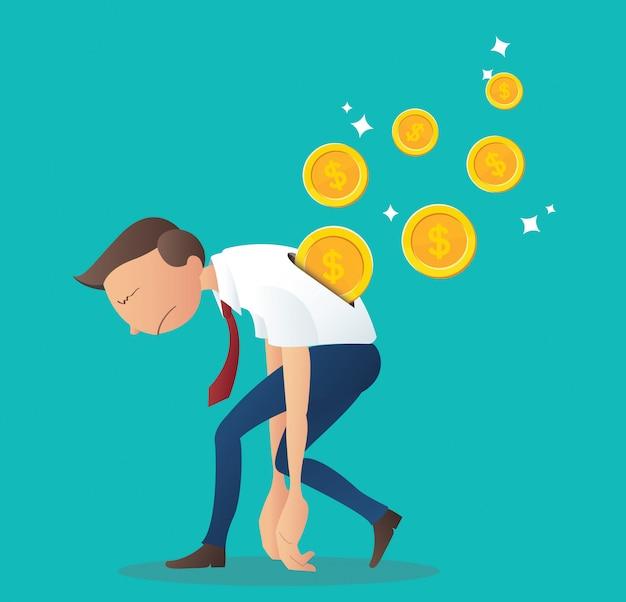 Inserimento monete sul retro dell'uomo d'affari
