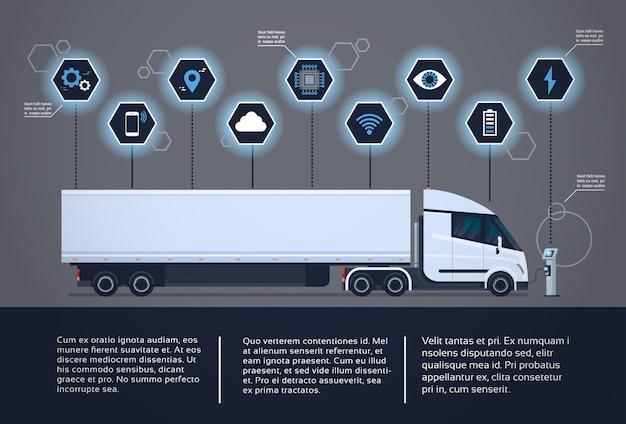 Insieme degli elementi di infographic con il rimorchio moderno del camion dei semi che fa pagare alla stazione del caricatore di electic