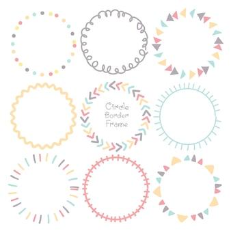 Insieme dei bordi di doodle colorato cerchio cornice.