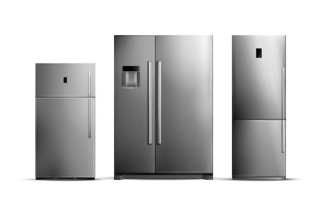 Insieme dei frigoriferi d'argento realistici di varie dimensioni isolati su bianco