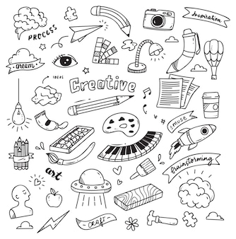 Insieme del doodle di creatività isolato su priorità bassa bianca