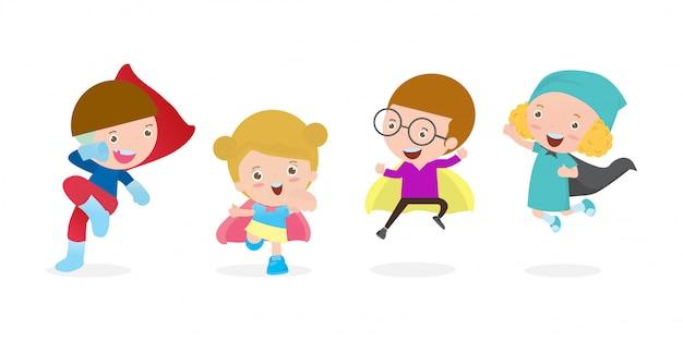 Insieme del fumetto del supereroe dei bambini che indossa i costumi dei fumetti, piccoli bambini svegli con la raccolta di cosplay dei supereroi, bambino del gruppo nel carattere dell'eroe eccellente isolato sull'illustrazione bianca del fondo.