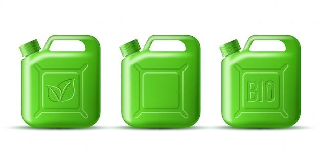 Insieme della tanica verde della benzina con il simbolo della foglia e la bio parola su bianco