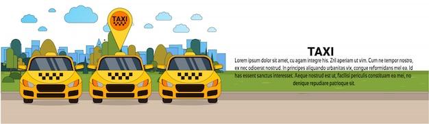 Insieme delle automobili del tassì giallo con il modello orizzontale dell'insegna di concetto di servizio della cabina del puntatore di posizione di gps