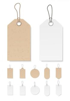 Insieme delle etichette in bianco del contenitore di regalo o delle etichette di compera di vendita con la corda. libro bianco e materiale realistico artigianale marrone. adesivi stile organico vuoti.