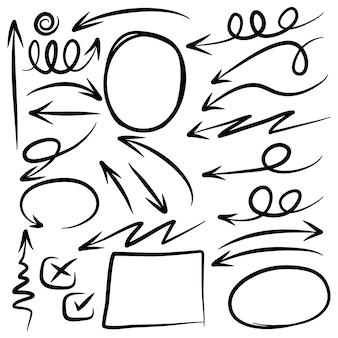 Insieme delle frecce disegnate a mano. elementi di disegno di scarabocchio.