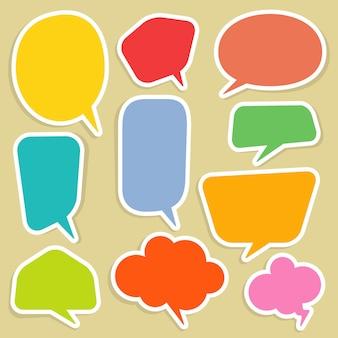 Insieme di bolle di discorso e palloncini di dialogo comici