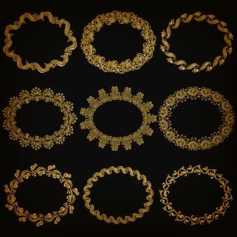 Insieme di bordi e cornice ornamentali decorativi oro