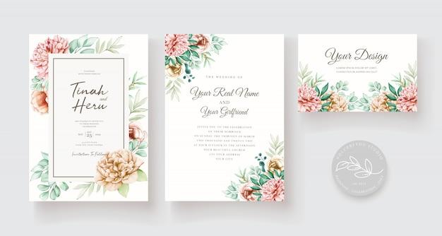 Insieme di carta elegante floreale dell'invito di nozze