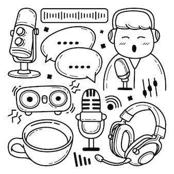 Insieme di doodle di podcast disegnati a mano