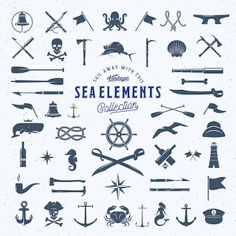 Insieme di elementi dell'icona nautica o del mare dell'annata con struttura misera.