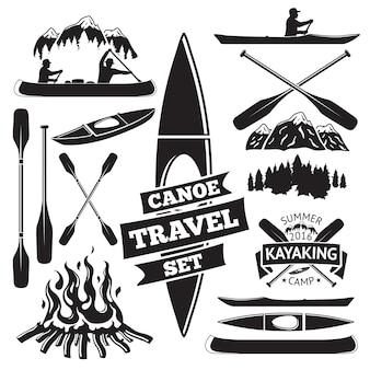 Insieme di elementi di design di canoa e kayak. due uomini in barca, remi, montagne, falò, foresta, etichetta. vettore