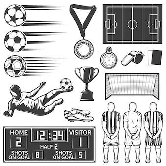 Insieme di elementi monocromatico di calcio con il gruppo durante gli oggetti degli arbitri degli stivali di calcio dell'attrezzatura sportiva di pena isolati