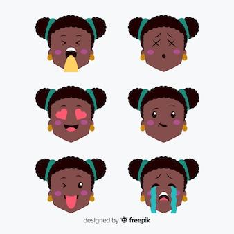Insieme di espressione facciale di kawaii disegnato a mano