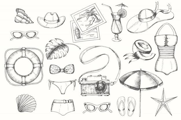Insieme di estate dell'annata degli oggetti disegnati a mano di scarabocchio isolati su bianco
