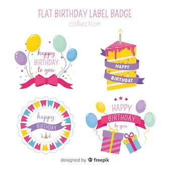 Insieme di etichette di compleanno disegnato a mano