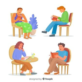 Insieme di persone che leggono sulle loro sedie