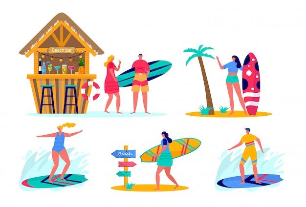 Insieme di persone che navigano in beachwear con tavole da surf. giovani donne e uomini che godono le vacanze sul mare, oceano, bar sulla spiaggia.