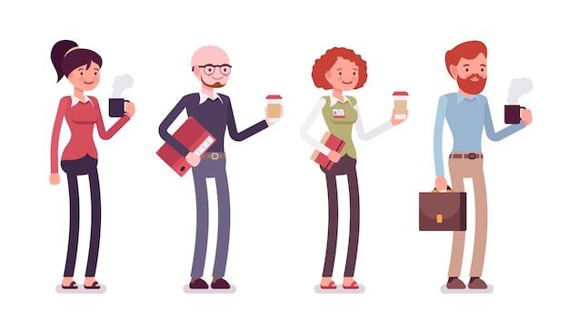 Insieme di persone in abbigliamento casual con caffè, cartella, borsa