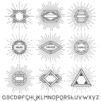 Insieme di retro badge d'epoca cornici lineari ed etichette con carattere lineare illustrazione vettoriale