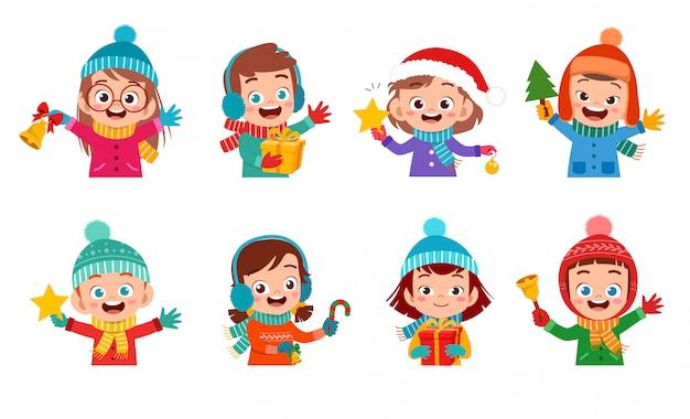 Insieme felice di natale di sorriso di espressione dei bambini