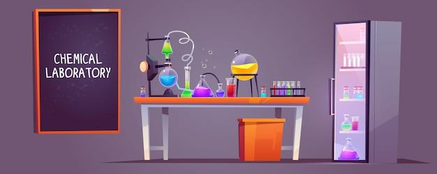 Interno del laboratorio chimico con boccette di vetro