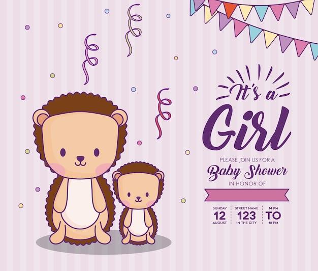 Invito dell'acquazzone di bambino con relativo un concetto della ragazza con i porcospini svegli sopra fondo rosa, d variopinto