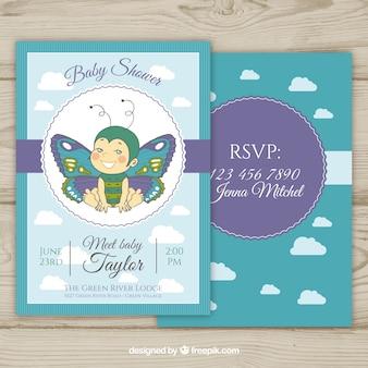 Invito dell'acquazzone di bambino con stile disegnato farfalla in mano