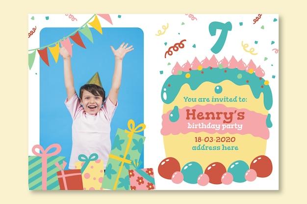 Invito di carta di compleanno per modello per bambini